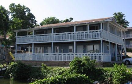 2 bedroom 37-40 exterior