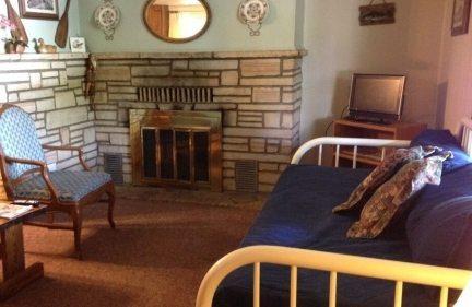 2 bedroom 41 livingroom