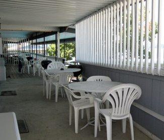 motel - deck